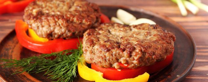 бифштекс рубленный из говядины фото