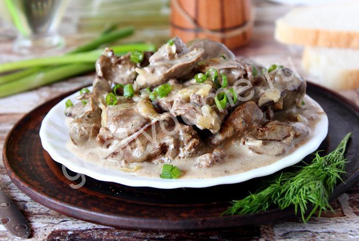 фото  к рецепту куриная печень с майонезом и луком на сковороде