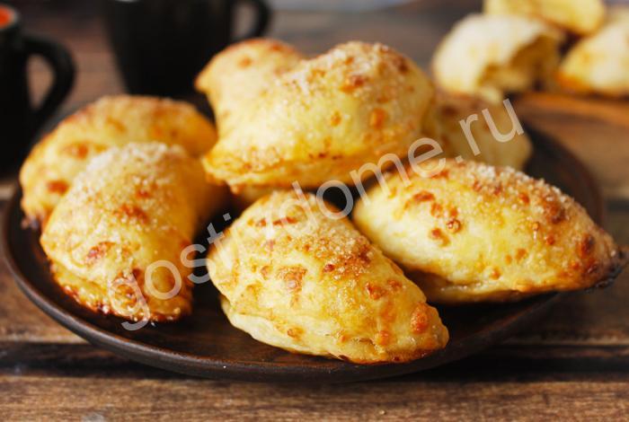 фото к рецепту пирожки из сырного теста с яблоками