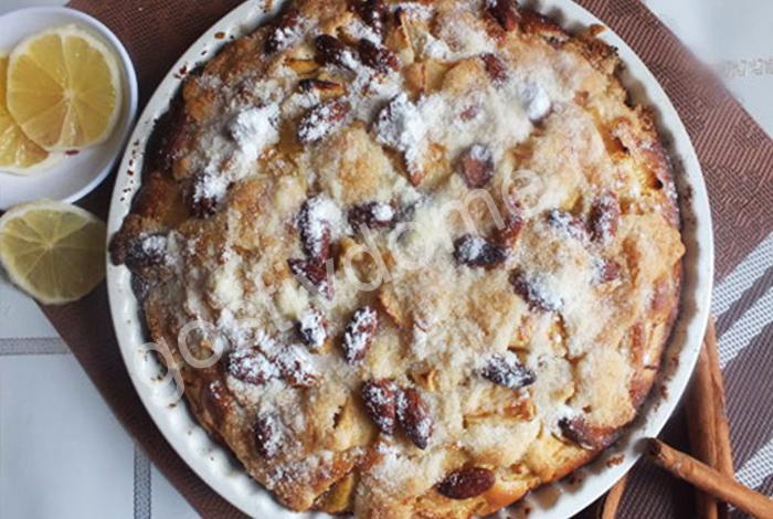 Фото к рецепту шарлотка с яблоками
