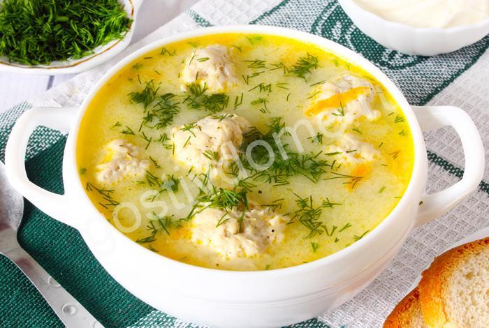 фото к рецепту сырный суп с фрикадельками