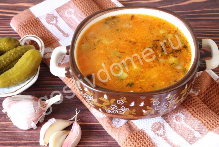 фото к рецепту рассольник с рисом и огурцами классический