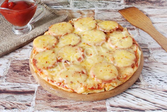 фото к рецепту пицца минутка на сковооде