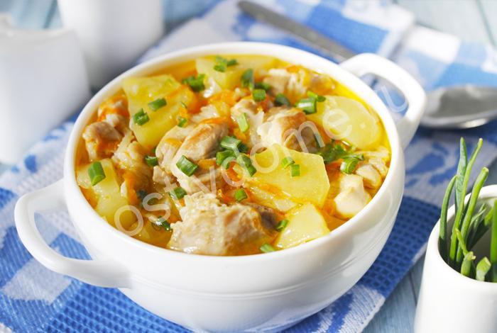 фото к рецепту картошка тушеная с курицей на сковороде