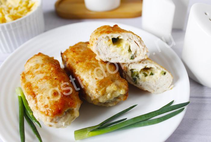 фото к рецепту рулетики из куриной грудки с сыром на сковороде рецепт