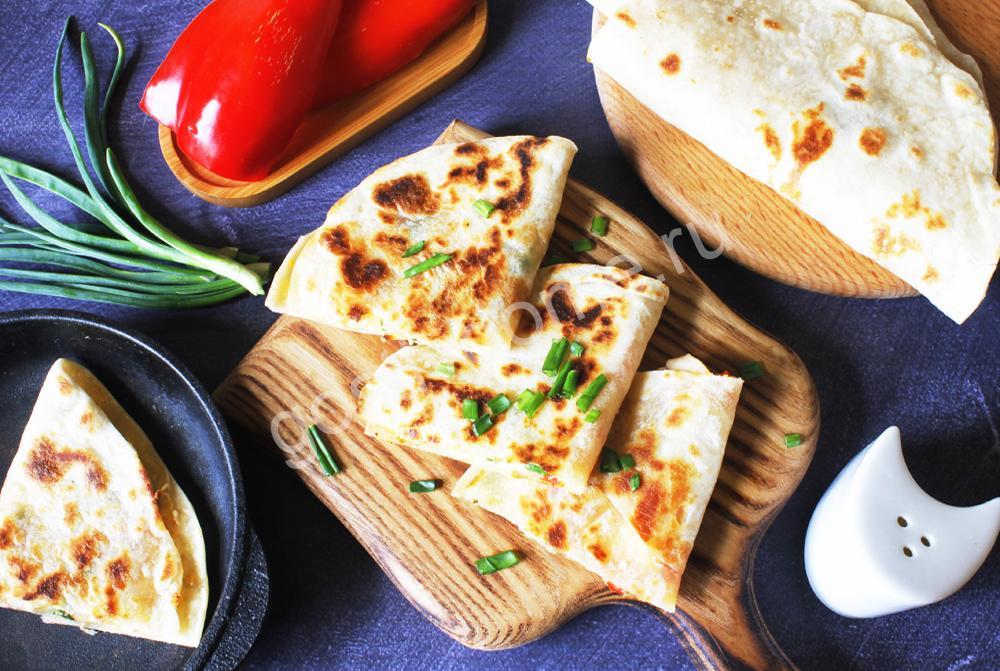 фото к рецепту кесадилья с курицей и сыром