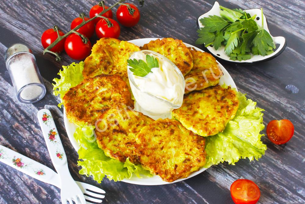 фото к рецепту оладьи из кабачков на сковороде