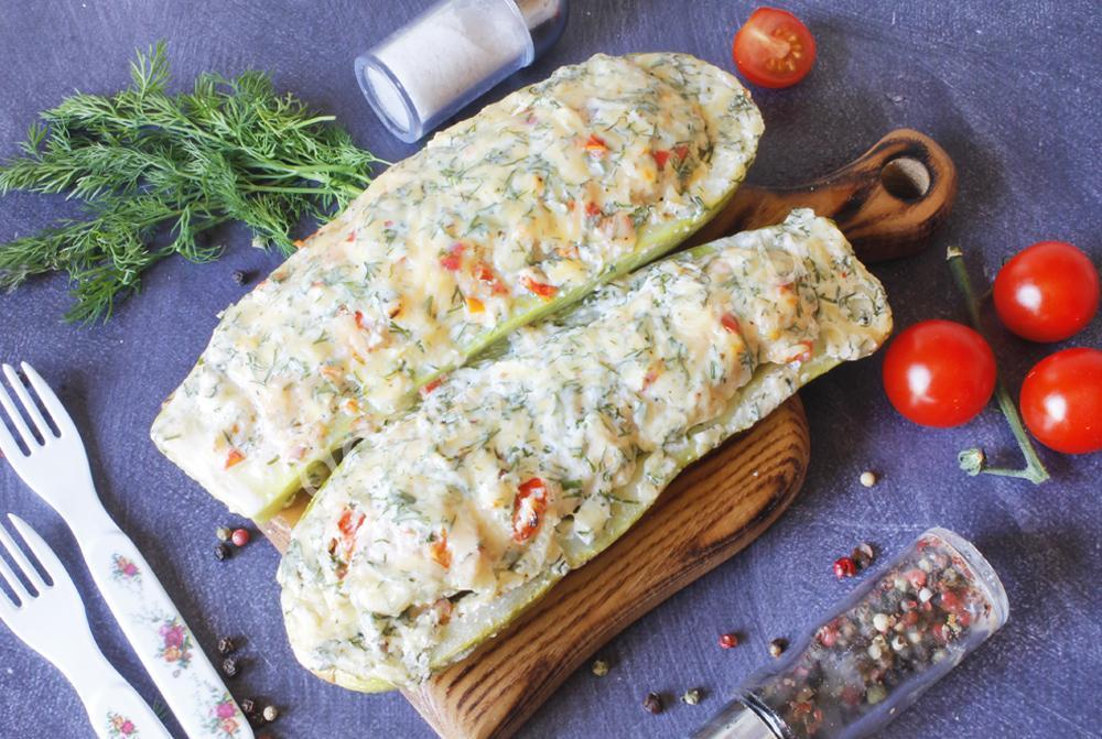 фото к рецепту кабачки с фаршем в духовке лодочки