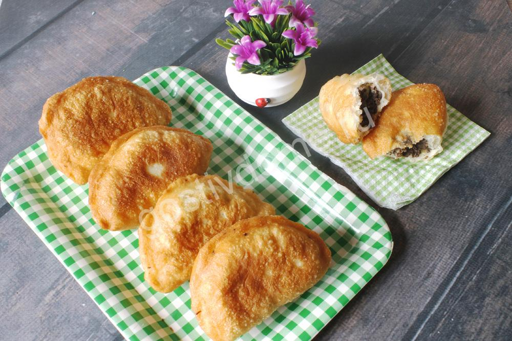 фото к рецепту пирожки с ливером жареные во фритюре