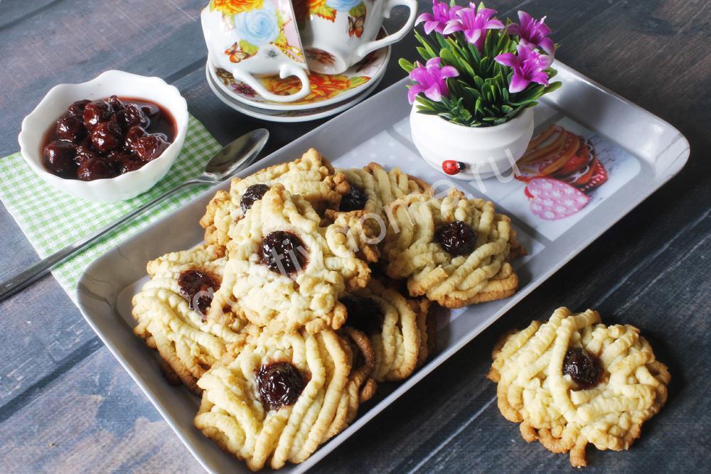 фото к рецепту печенье песочное на маргарине с майонезом