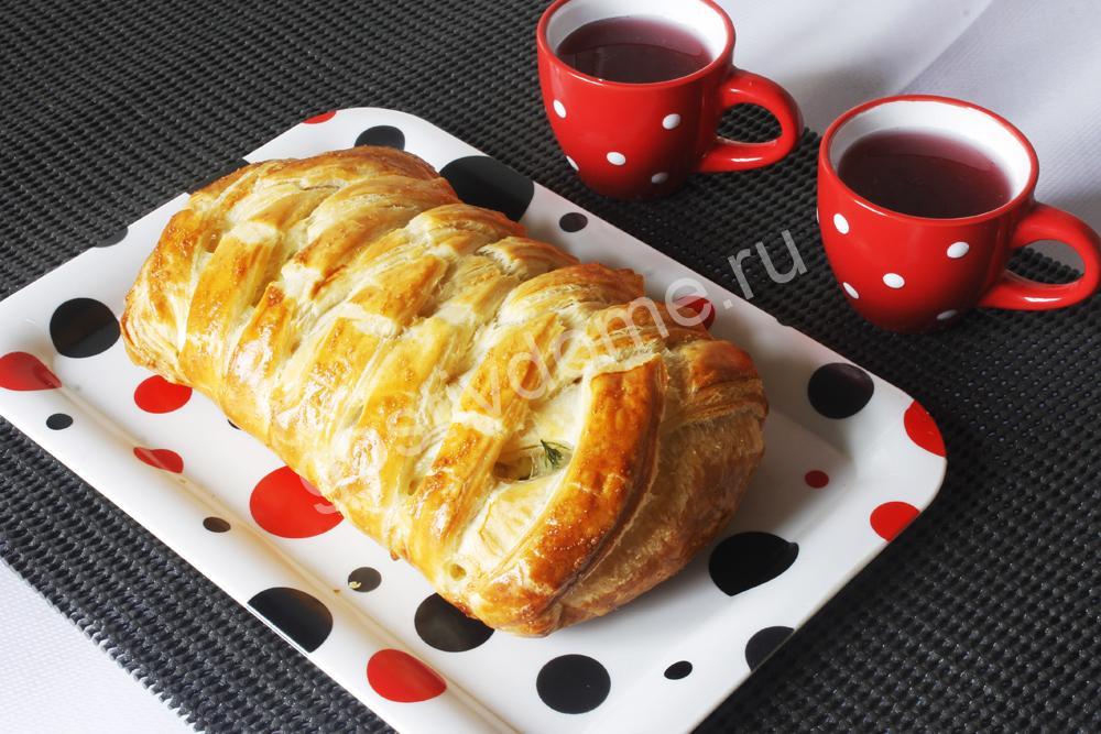 фото к рецепту пирог с минтаем из слоеного теста